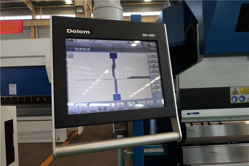 Delem DA58T 2D CNC-systeem