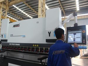 touchscreen bediening cnc kantpers machine 6 axis 220 T 4000 MM siemens motorvermogen