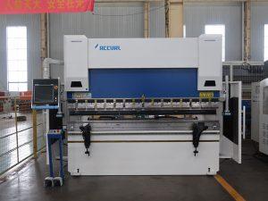 WC67K 200t cnc stalen buigmachine 6 m staalplaat kantpers machine in lage tarieven voor export