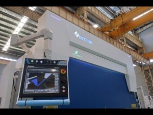 8-assige CNC kantbank 110 ton 3200mm