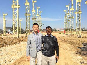 Klanten uit Bangladesh komen naar de nieuwe fabriek die we bouwen