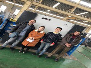 Klanten in Egypte kopen persremmachine bij Accurl-bedrijven