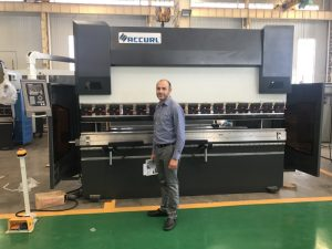 Iran Client Testmachine in onze fabriek 1
