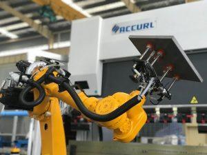 Robotic buigcelsysteem voor automatische robotkantpers van plaatwerk