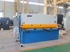hydraulische knipmachine met zwenkstraal